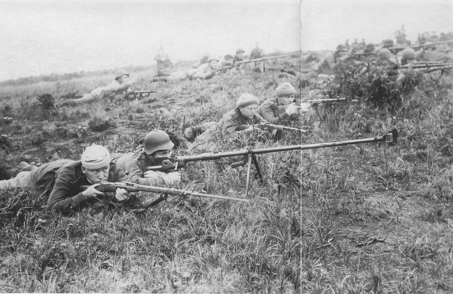 Советские бронебойщики на острове Шумшу
